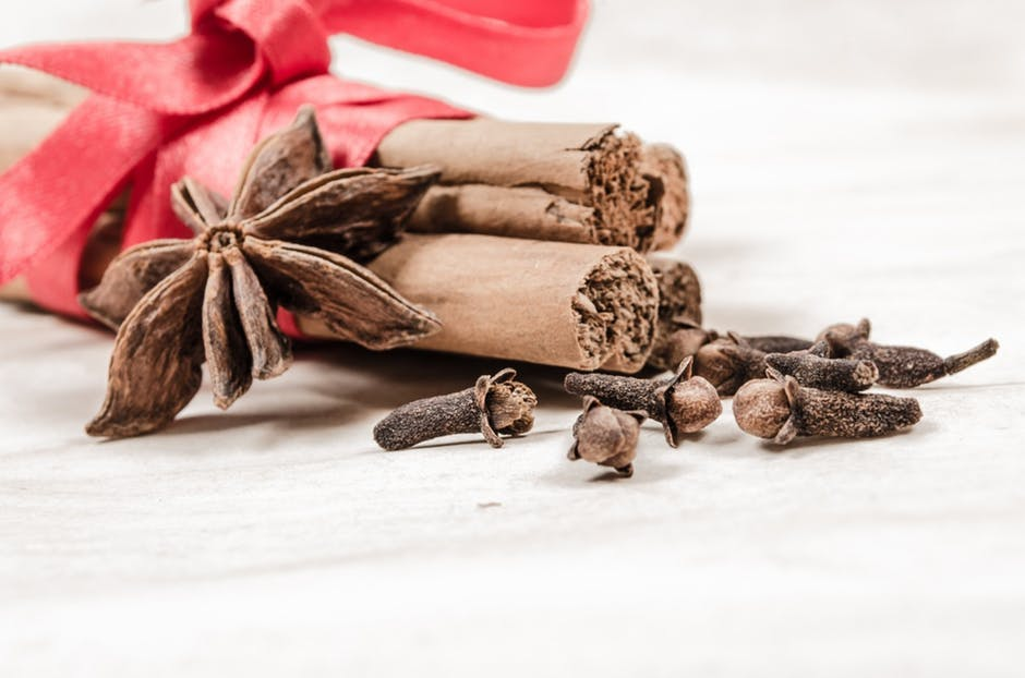 The Holiday Baking Spices