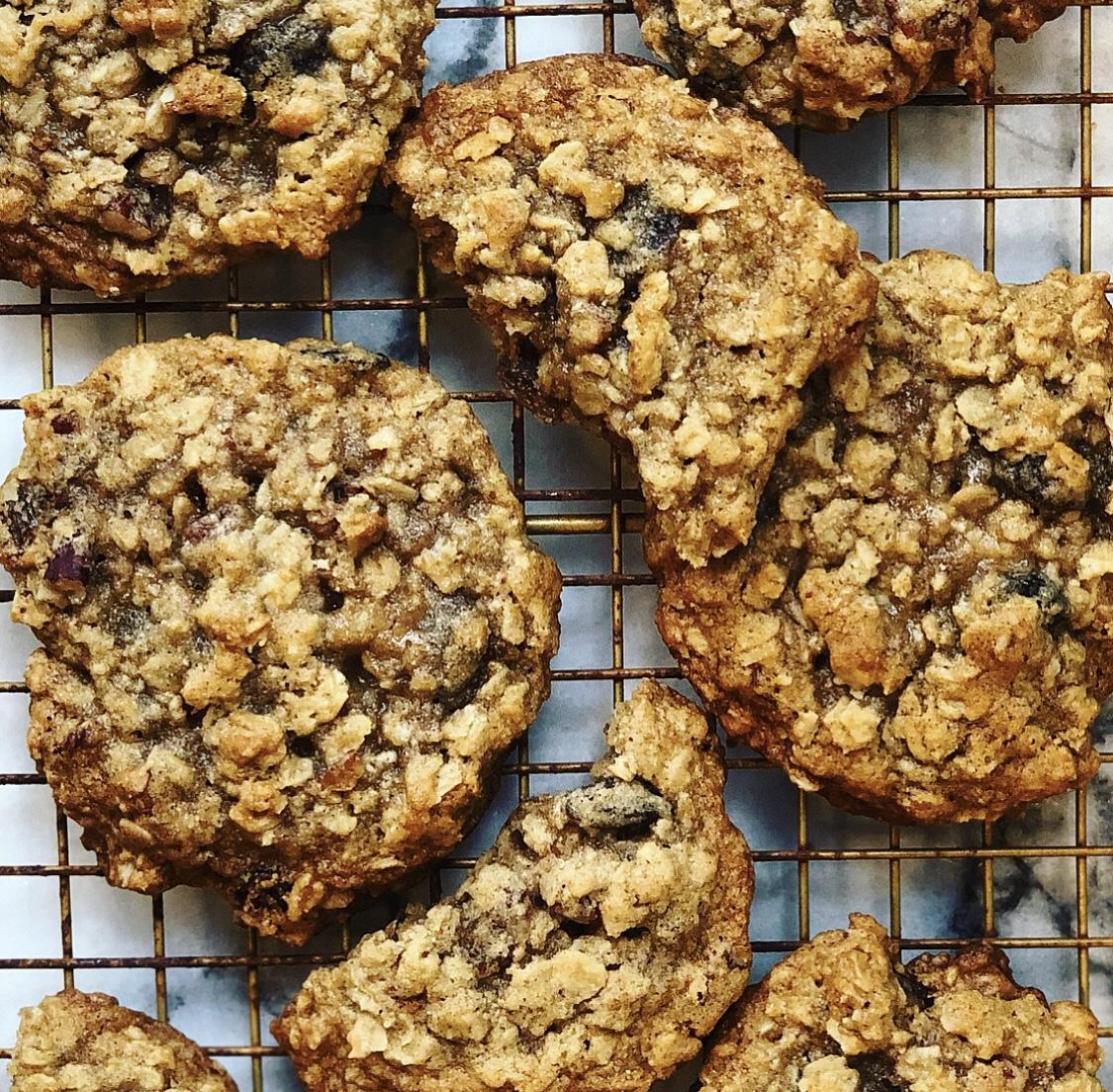 Muscovado Oatmeal Cookies (Dark & Stormy Cookies)