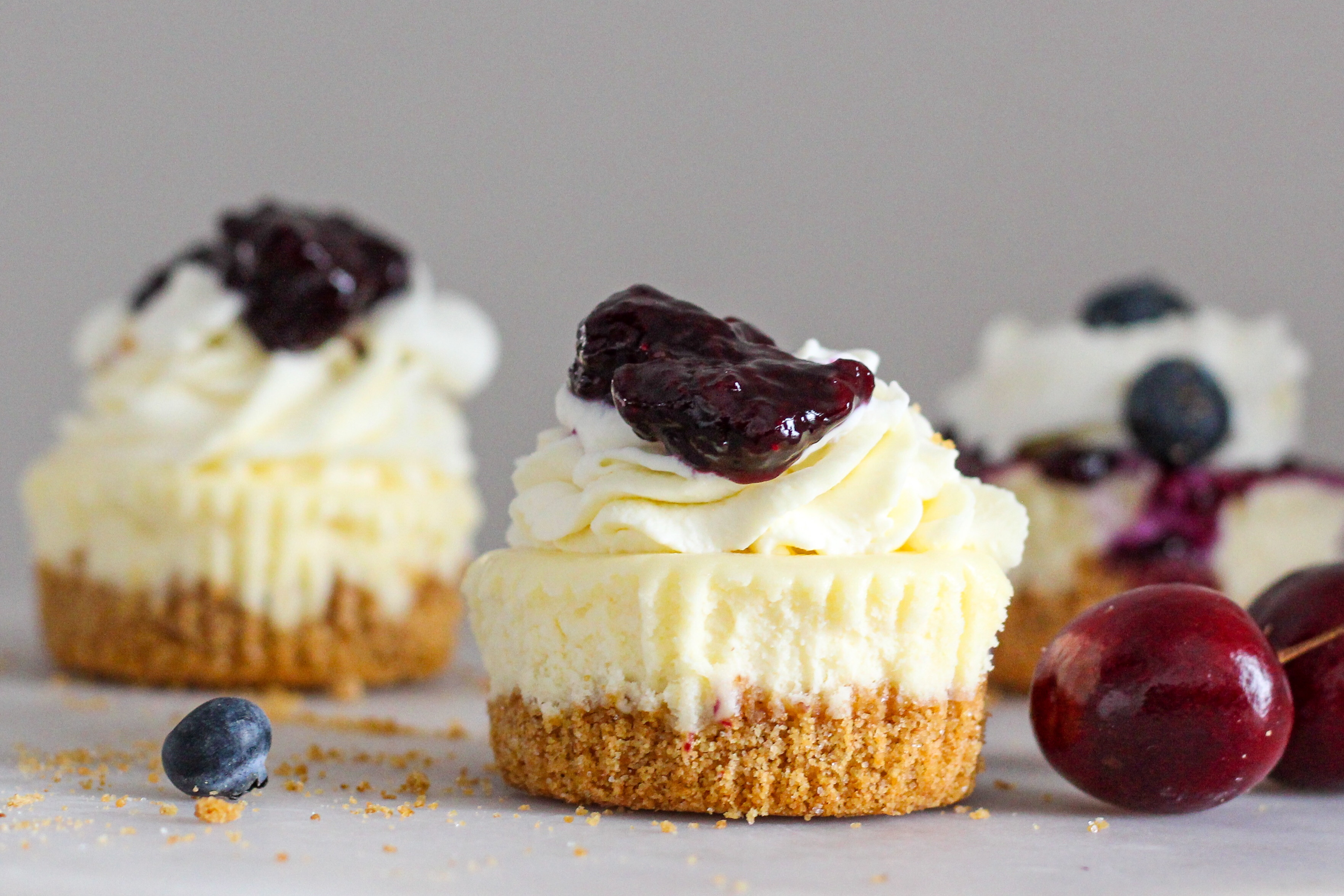 Mini Cheesecakes With Greek Yogurt